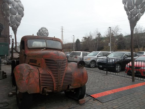 Rusted truck, Distillery District (1)