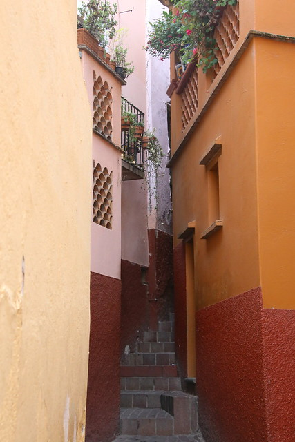 Kissing lane. Guanajuato. Mexico.
