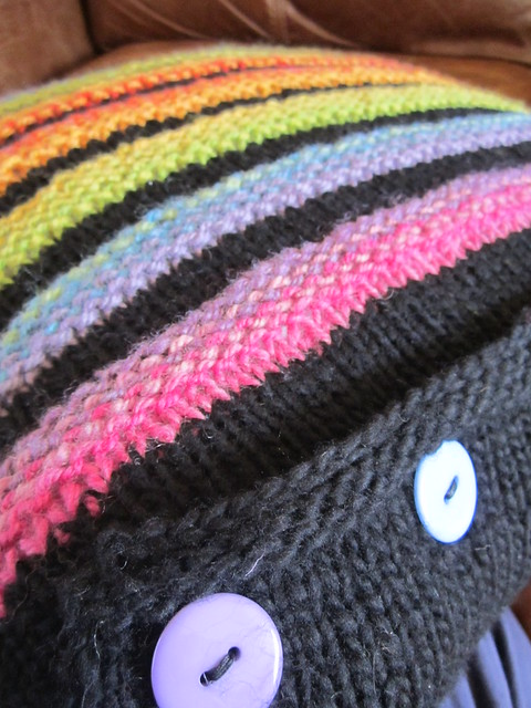Wurmy rainbow cushion (6)