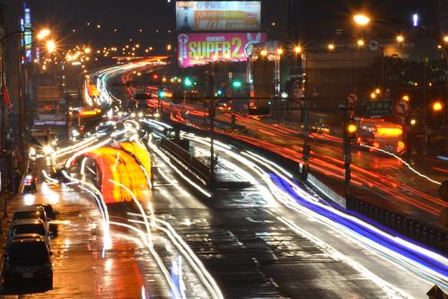 流逝與靜止的都市:台北車站與公車專用道