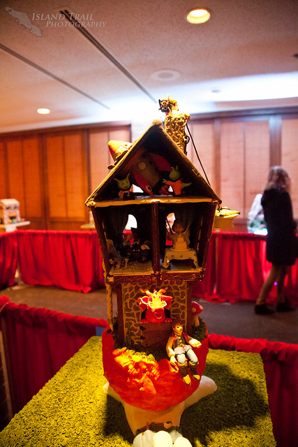 Gingerbread Display - 2014.12.19-9480