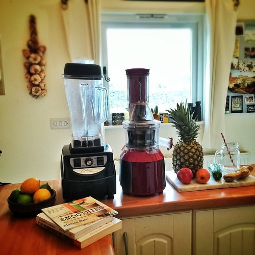 Getting prepped for a juicy 2015 by giving the home juice bar a good tidy, stocking up on beautiful ingredients, and augmenting the bar with some inspiring reading materials! How is your awesome prep going?