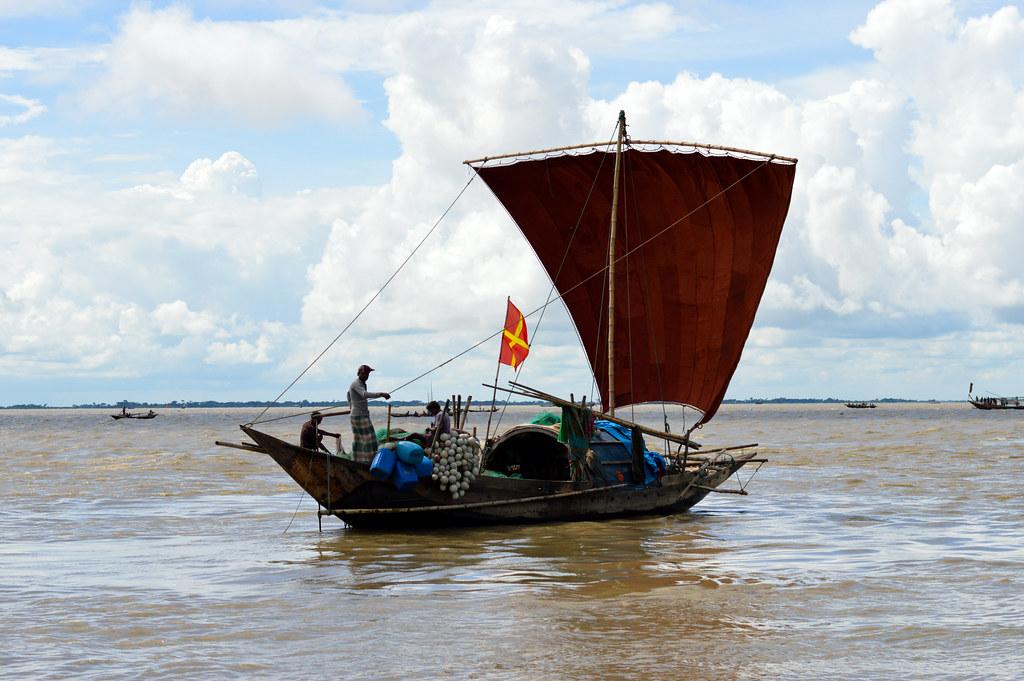Fishing boat, Megha River, Bangladesh. Mohammad Mahabubur Rahman, 2016.
