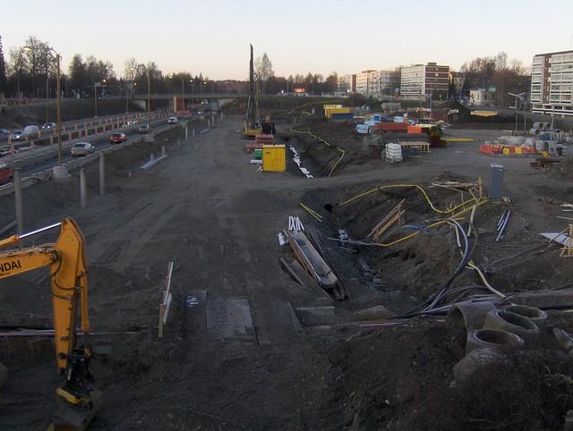 Hämeenlinnan moottoritiekate ja Goodman-kauppakeskus: Työmaatilanne 20.11.2011 - kuva 8