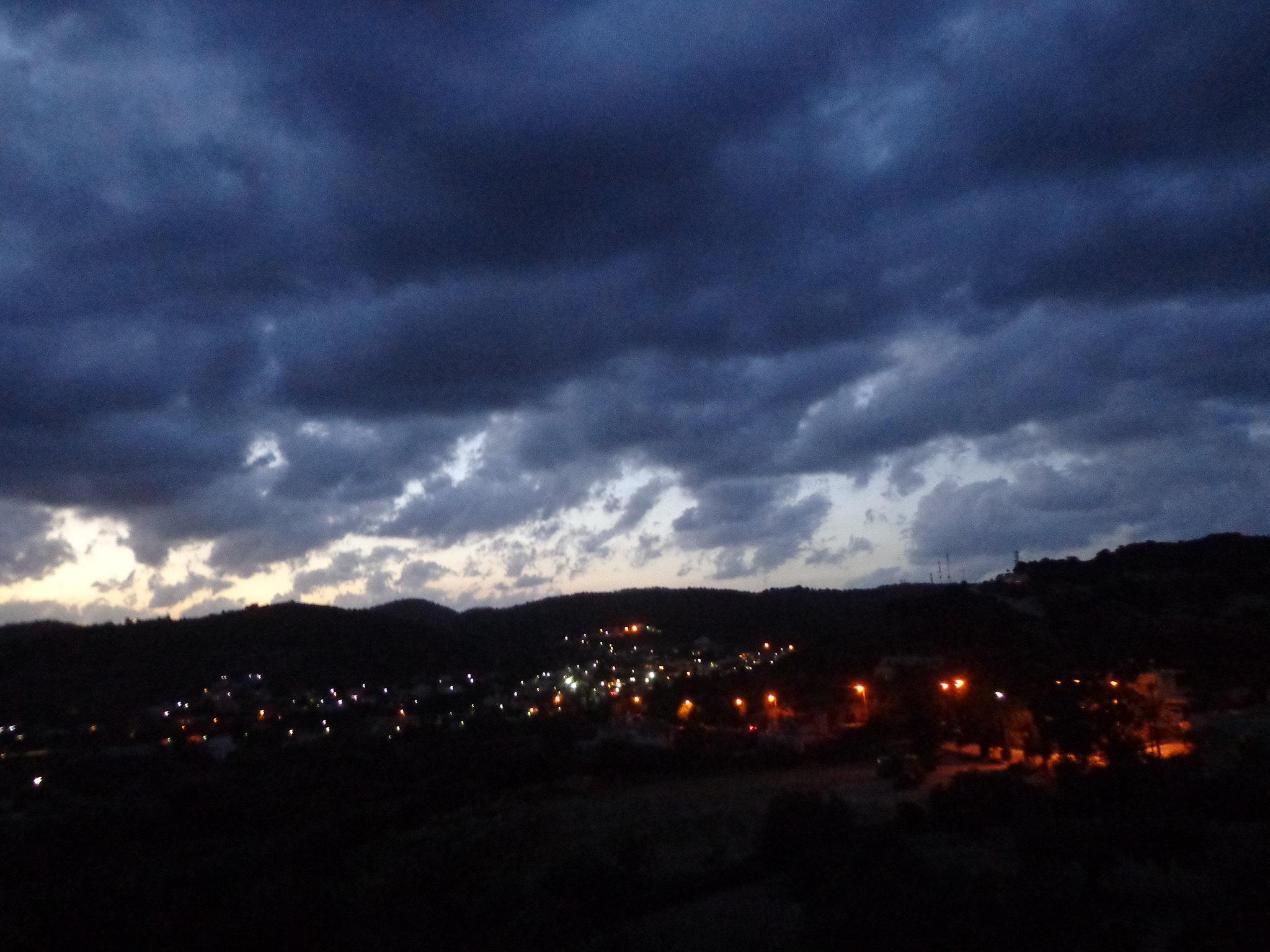 Άποψη του χωριού πρίν την καταιγίδα - Κακοκαιρία, Ισχυροί άνεμοι, Ψίνθος