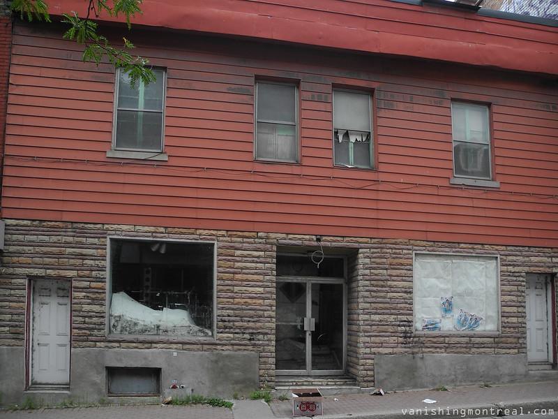 Clark street in Chinatown 9