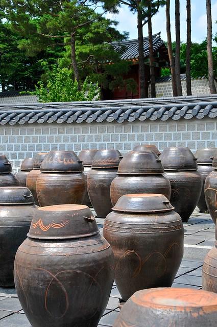 Storage jars and gate at Gyeongbokgung