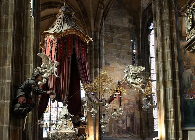 Como é a visita ao Castelo de Praga