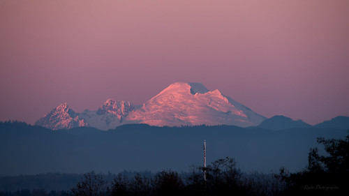 sunset nikon cascades sunsetglow pacificnorthwest tamron pnw everett mtbaker cascademountains snohomishcounty whatcomcounty d610 tamron150600mmf563divcusd ryderphotographic howardryder