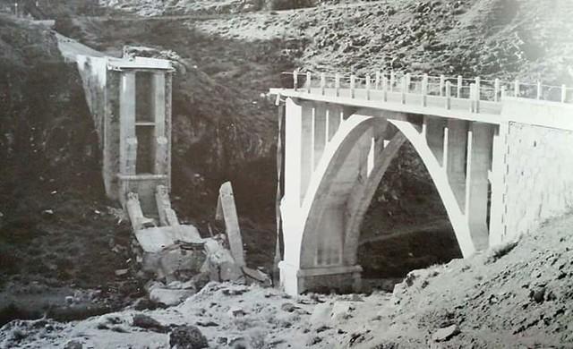 Rotura del Puente de la Degollada en enero de 1973. Cortesía de José María Obeo