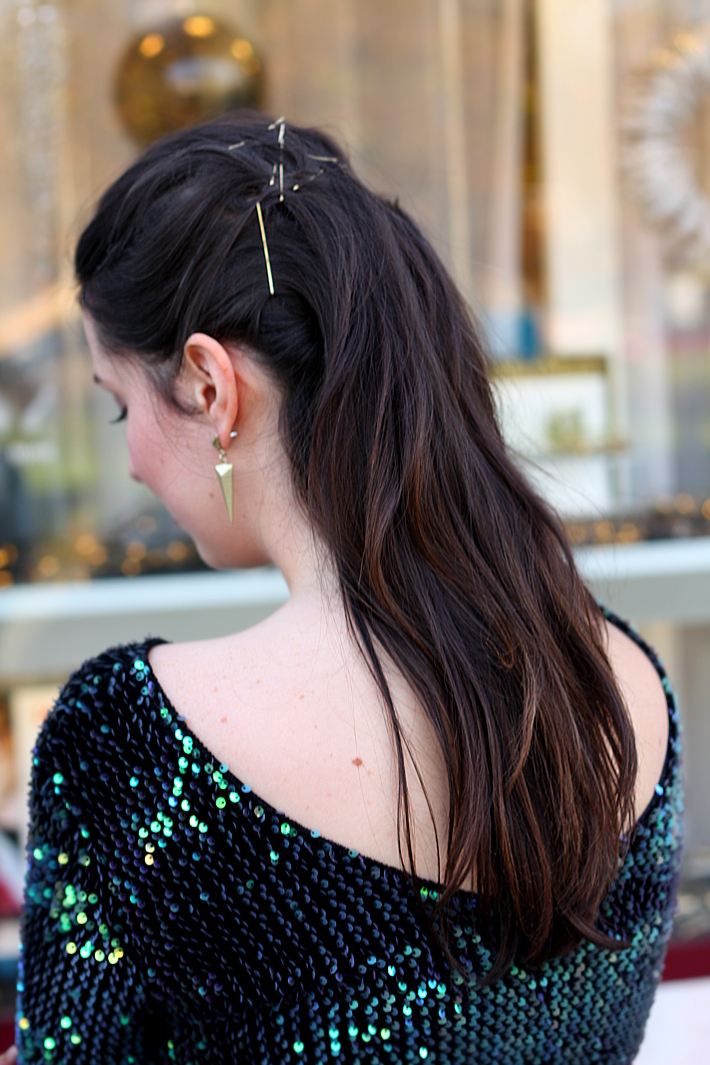simple party hair gold bobby pins