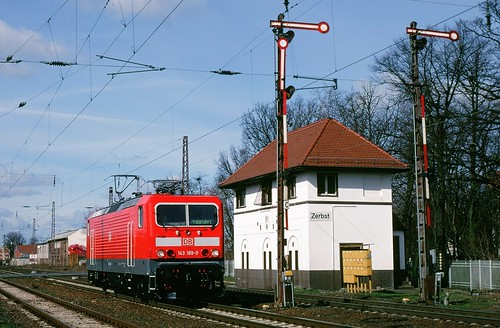 DB 143-189-9 EB PASSES THE TOWER - ZERBST, GERMANY - MARCH 2000