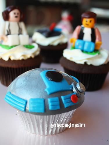 Star Wars cupcakes, R2D2 Cupcake