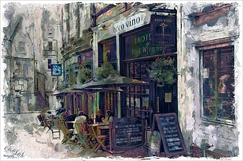 Image of outdoor cafe in Edinburgh, Scotland