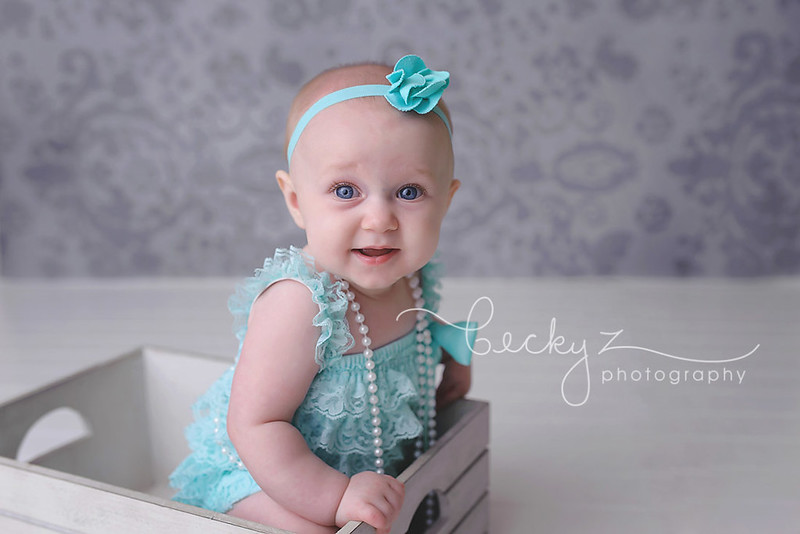 16039582749 a30b572cdc c Frisco Baby Photographer | Aprils Sitting Up Session