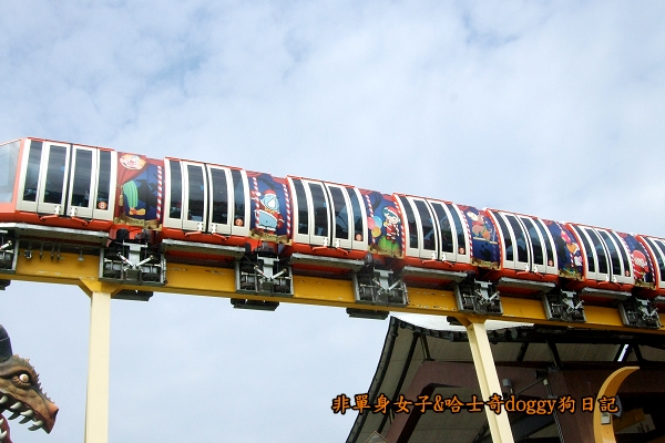 義大遊樂世界03城堡列車