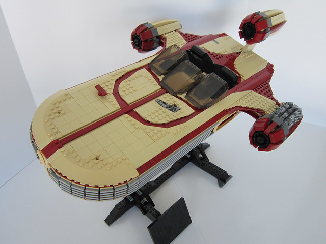 UCS X34 Landspeeder, by Psyence, on Eurobricks