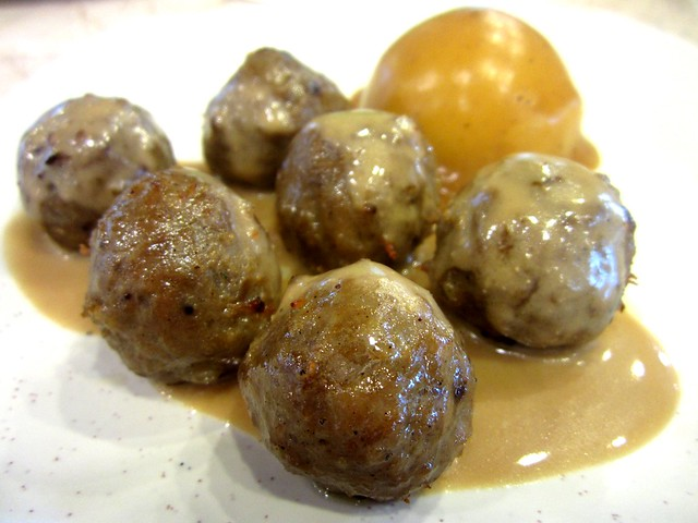 Red Carrot@Medan Hotel meatballs
