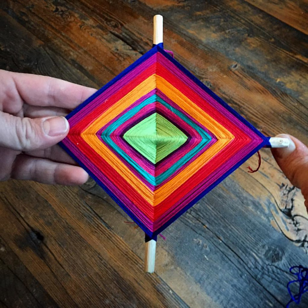 Making traditional Huichol God's Eyes for our good luck and protection.  #IndigenousArt #Yellowstone #FocusedIntentions #shamanism