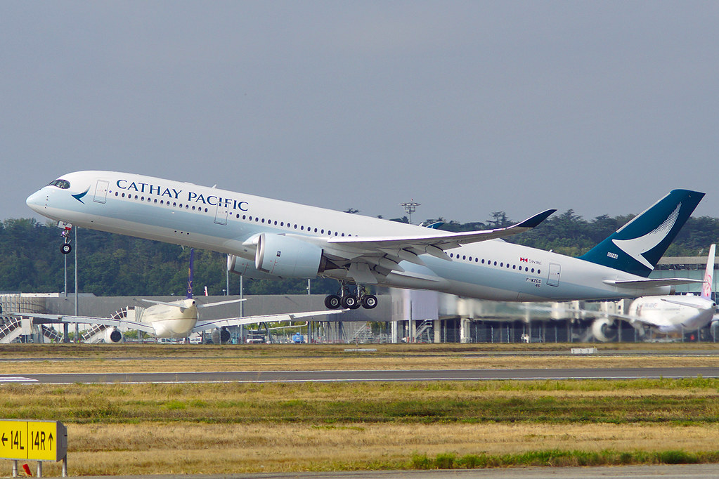 B-LRF - A359 - Cathay Pacific