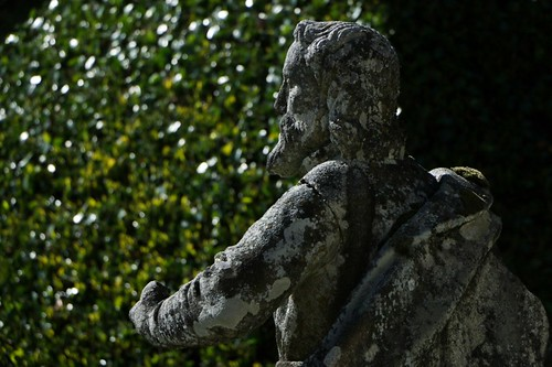Mosteiro do Bom Jesus: statua della scalinata
