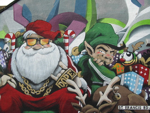 Christmas street art by Cheo in Bedminster #abeeisforlife