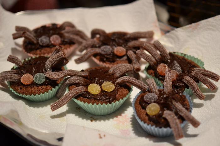 spider halloween cakes