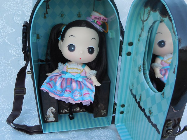 Angelic Pretty Chess Chocolate Mint doll case from Groove USA review 15510215014_1be5e16793_z