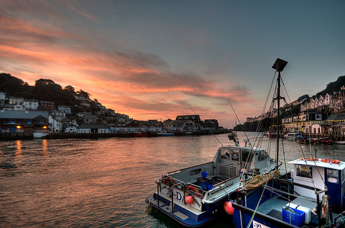 sunrise river landscape boats hdr looe photomatix tonemapped rosiesphotos riverlooe tamronspaf1024mmf3545diiildasphericalif rosiespooner rosyrosie2009 rosemaryspooner rosiespoonerphotography