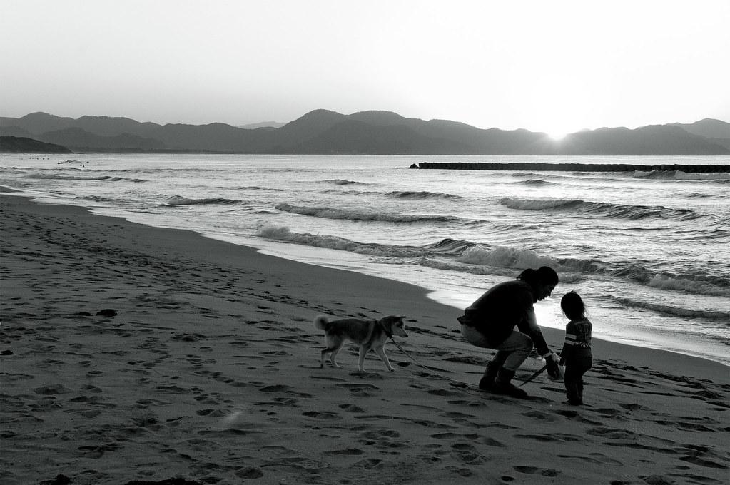 two children|夕日が浦海岸