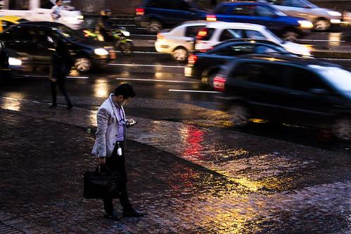 La hora del caos en esta ciudad oscura y fría, Bogotá.