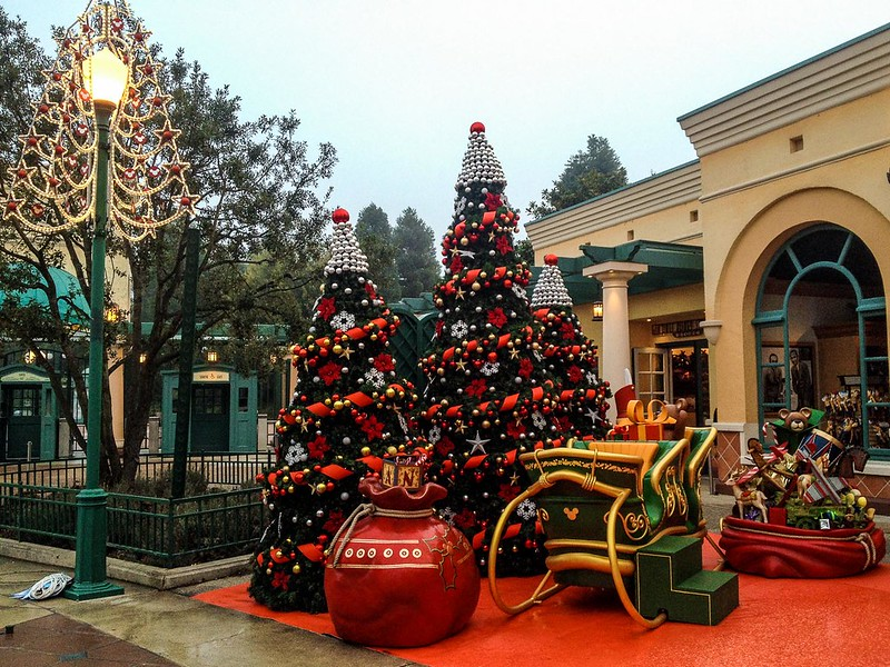 Christmas Decorations at Walt Disney Studios