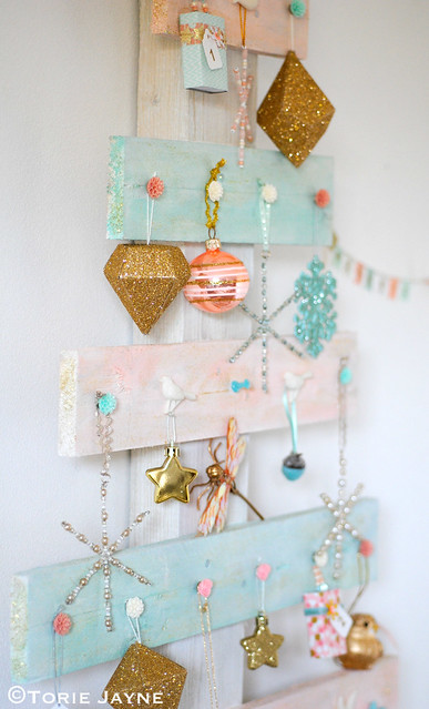 DIY wooden palette Christmas tree 1