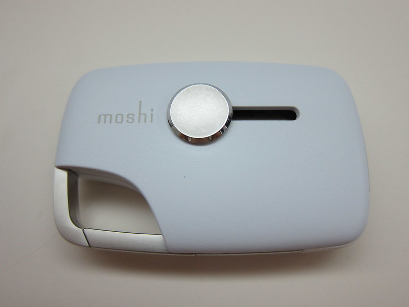 Moshi Xync With Lightning Connector - Front