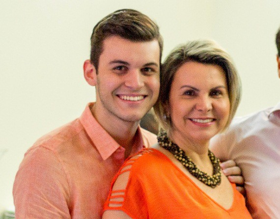 Luis Felipe e sua mãe Nereida Oliveira