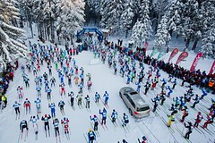 Aleš Háma a další hvězdy se chystají na start běžkařského závodu Intersport Jizerská 25