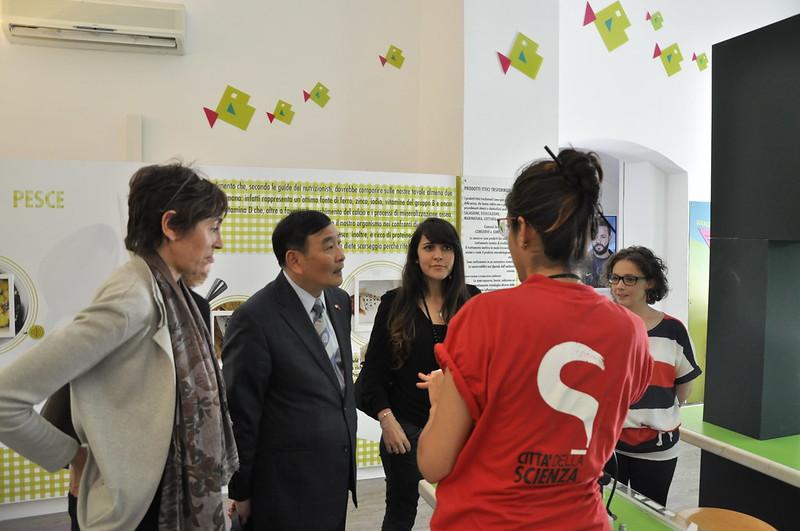 Il Consigliere per l'Educazione dell'Ambasciata Cinese in Italia Luo Ping in visita a Città della Scienza