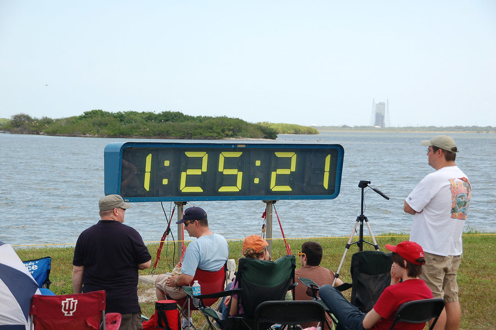 Shuttle countdown clock