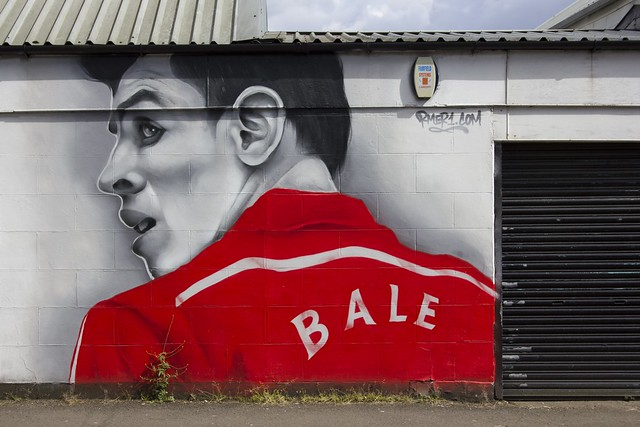 Bale: street art, Whitchurch, Cardiff
