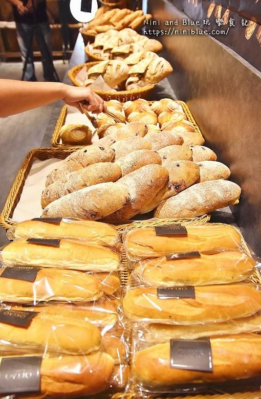 歐客佬咖啡麵包甜點太原路21