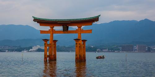 japan canon landscape eos gate availablelight hiroshima miyajima 5d torii itsukushima 宮島 travelphotography markiii 厳島 peopleallovertheworld ef2470mmf28liiusm