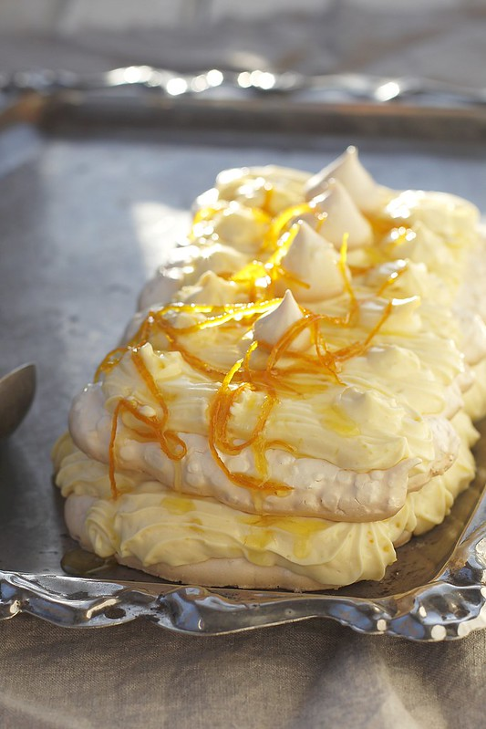 meringue a pie with orange cream.1