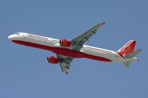 A321 - Airbus A321-211