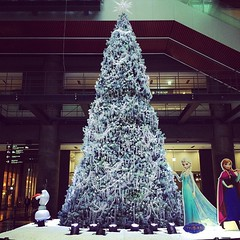 """frozen"" tree #christmas #osaka #grandfront #Japan"