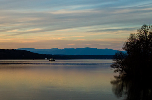 trees sunset sky lighthouse newyork mountains reflection water weather clouds river golden december unitedstates hydepark hudson 2014 staatsburg millsmansion millsestate esopusmeadow