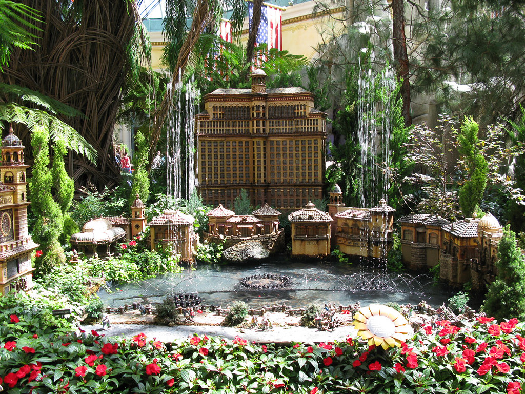 Miniature display of the Bellagio in the Conservatory