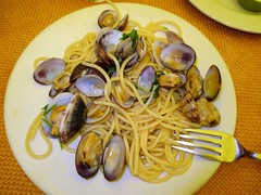 clam, spaghetti alle vongole, spaghetti, seafood, pasta, clam sauce, food, dish, cuisine, mussel,