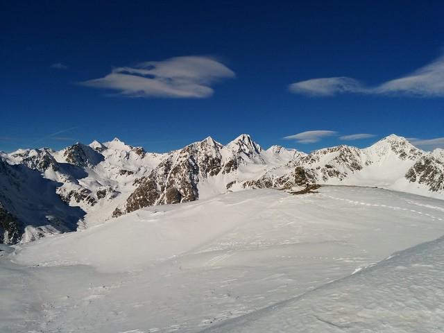 Gipfelausblick auf Tiefrastenhütte und Eidechsspitze