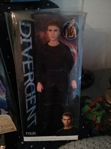 Four- Divergent
