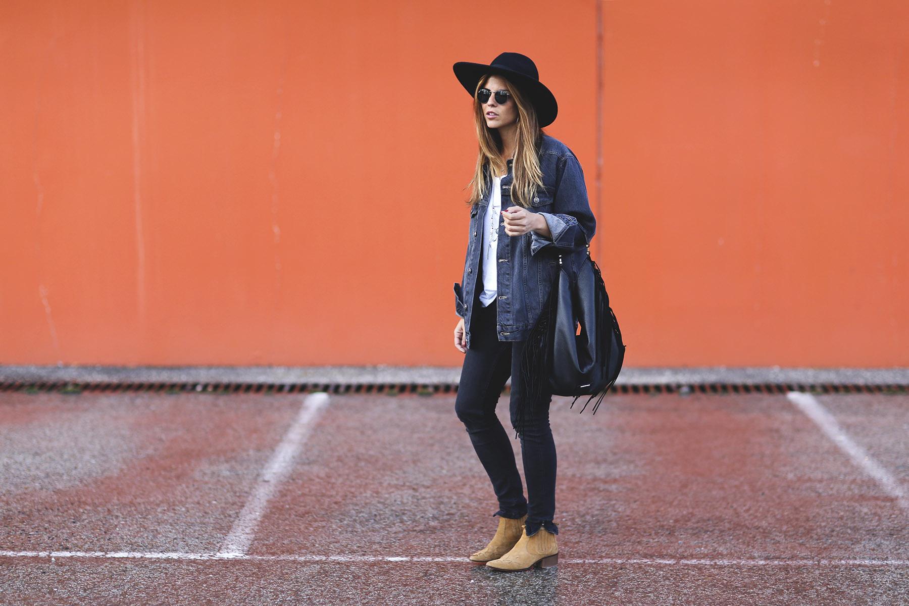 trendy-taste-look-boho-sombrero-flecos-botines-camperos-cowboy-spring-primavera-denim-10